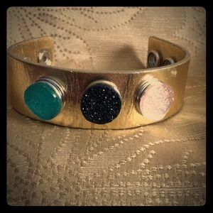Jewelry - Gold Painted leather bracelet with colorful snaps